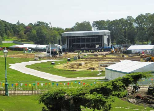 Avenham Park stage for Kathryn Jenkins and Jose Carreras
