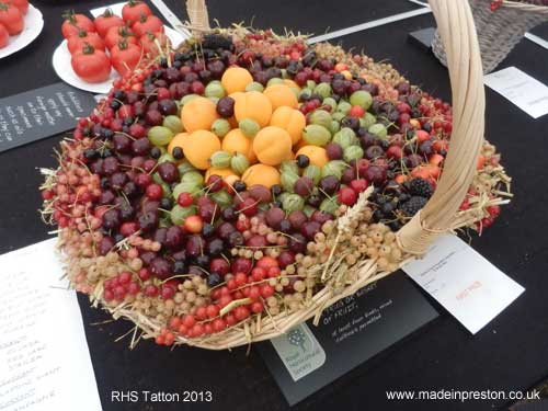 RHS Tatton prize winning shrug of fruit
